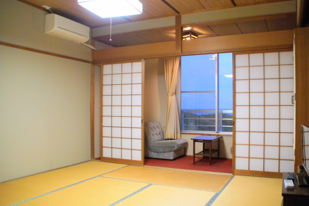 205号室 旗魚(かじき)